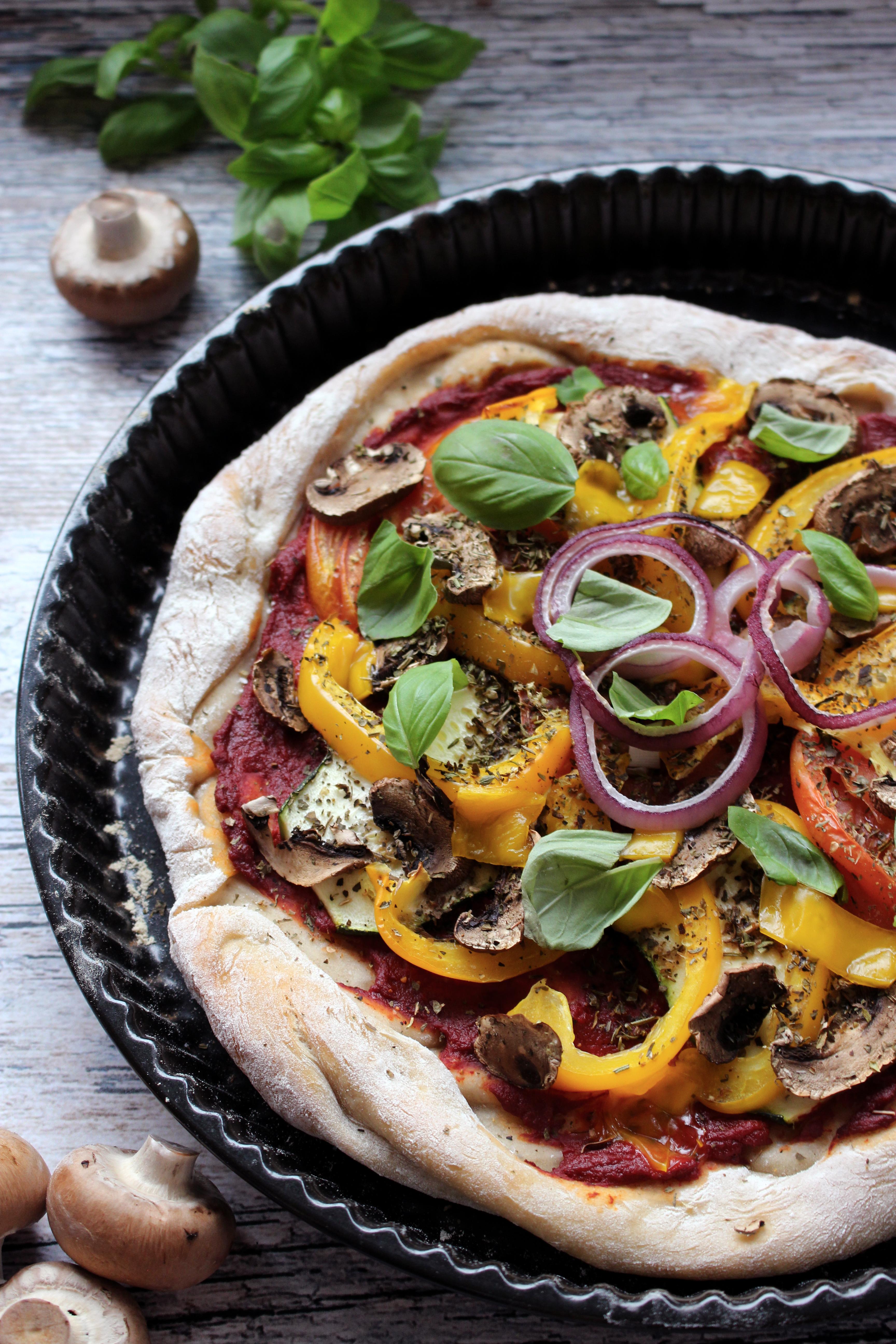 vegan veganistische pizza recept seizoensgroenten augustus