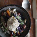 Recept februari – Couscous met wortelen, erwtjes en hummus