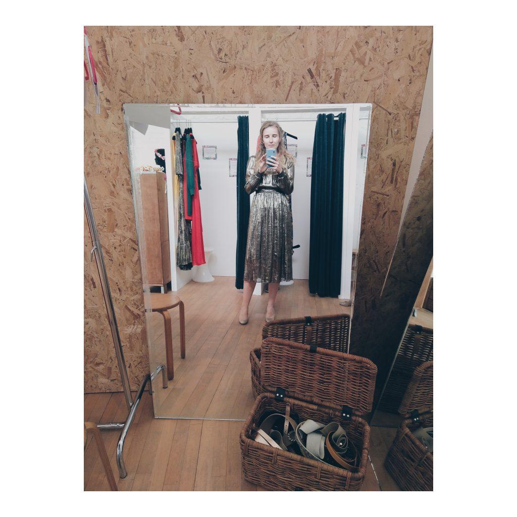 Coucoushop kleedjes huren brussel consuminderen minimalisme
