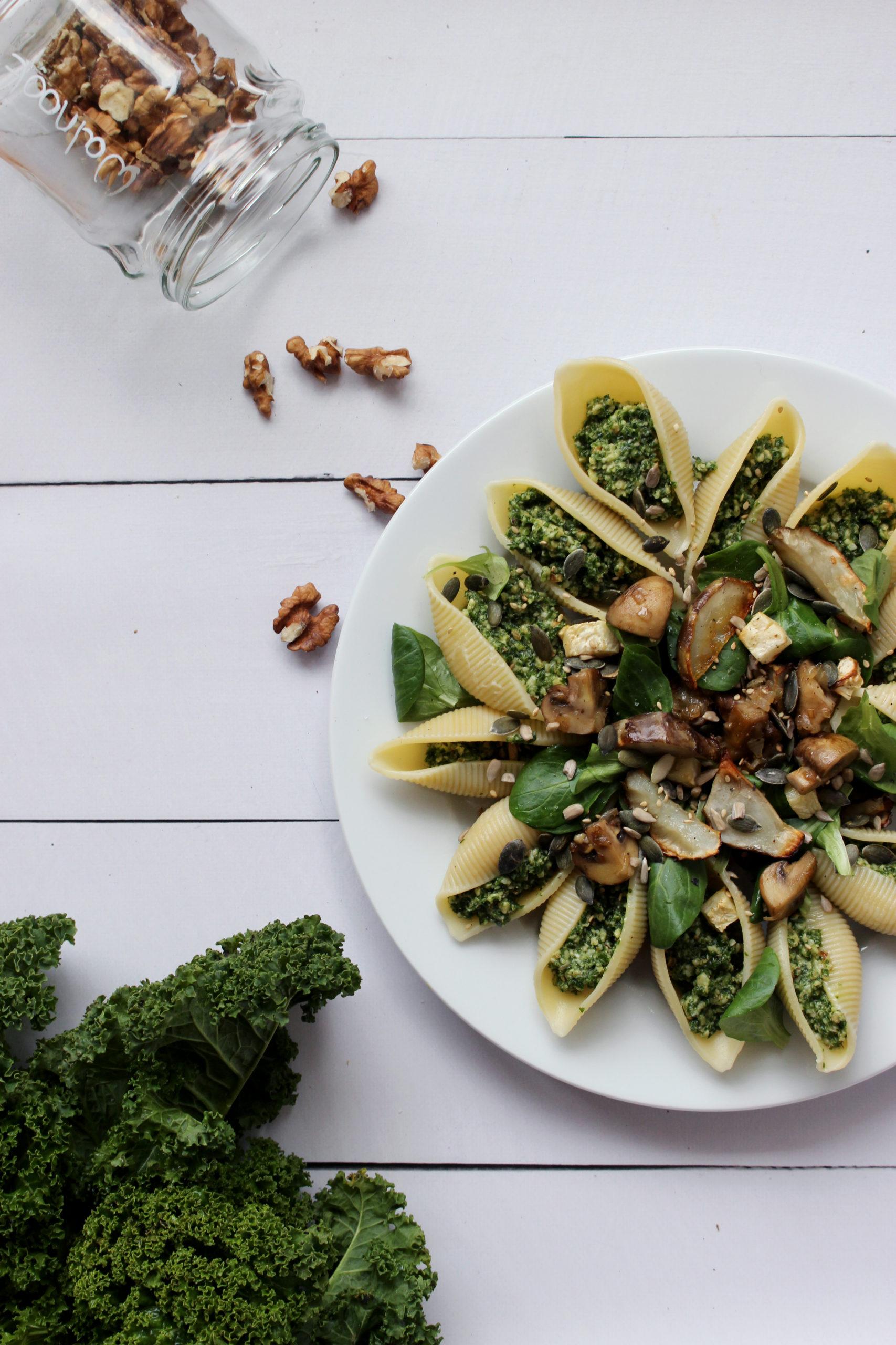 Vegetarisch recept pastaschelpen boerenkoolpesto seizoensgroente januari