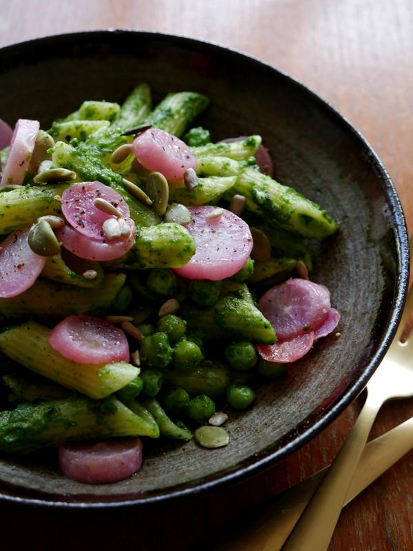 pasta pesto radijzenblaadjes radijzen seizoensgroente april vegetarisch recept